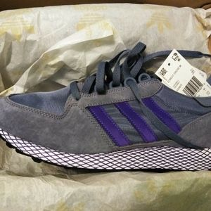 Women's Adidas Forest Grove Athletic Size 11